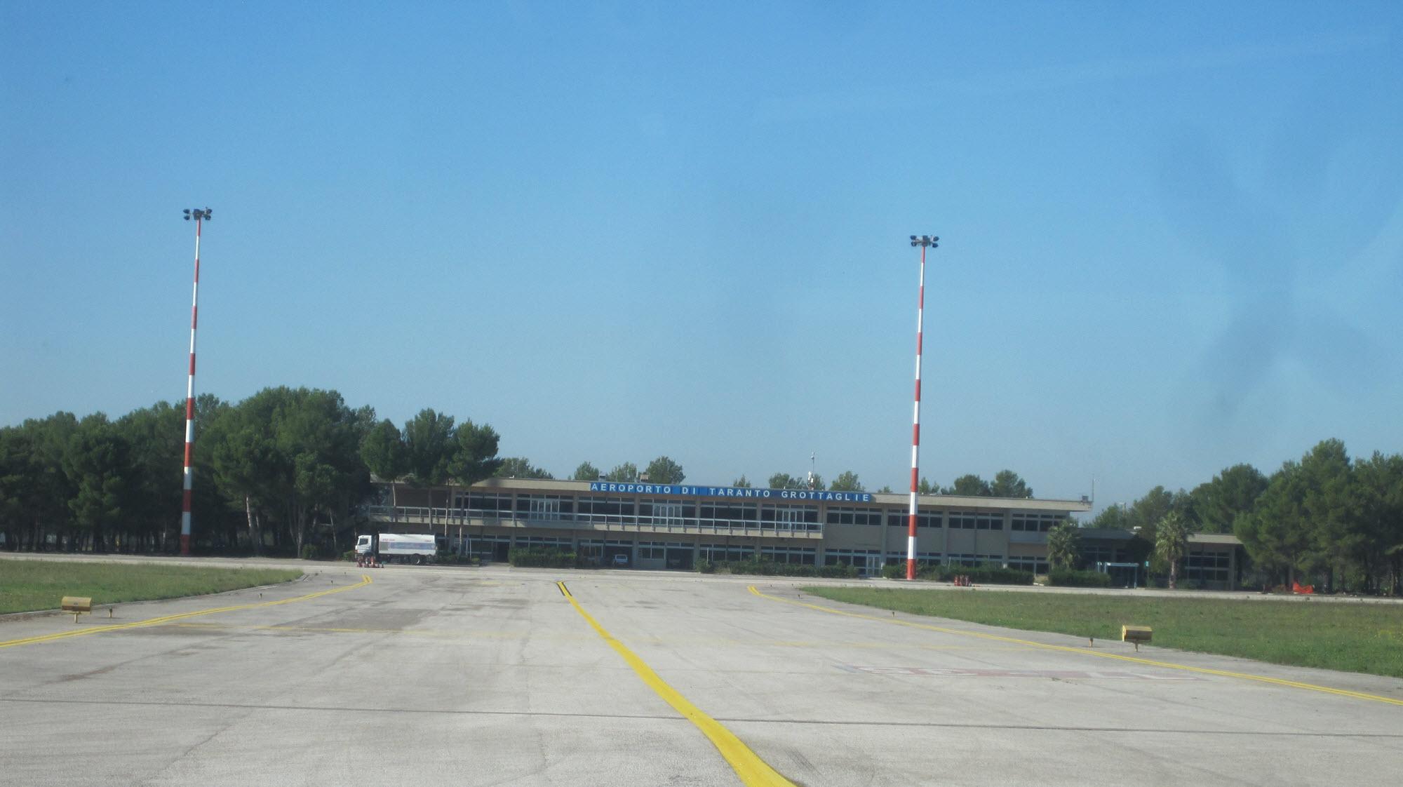 Aeroporto Brindisi : N aeroporti u bari brindisi foggia e grottaglie